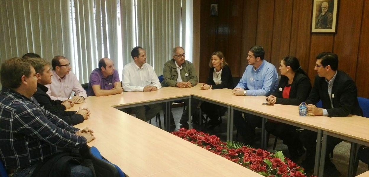 """El PSOE se compromete a cambiar el marco regulatorio cuando gobierne """"para que Elcogas y sus trabajadores tengan una solución para siempre"""""""
