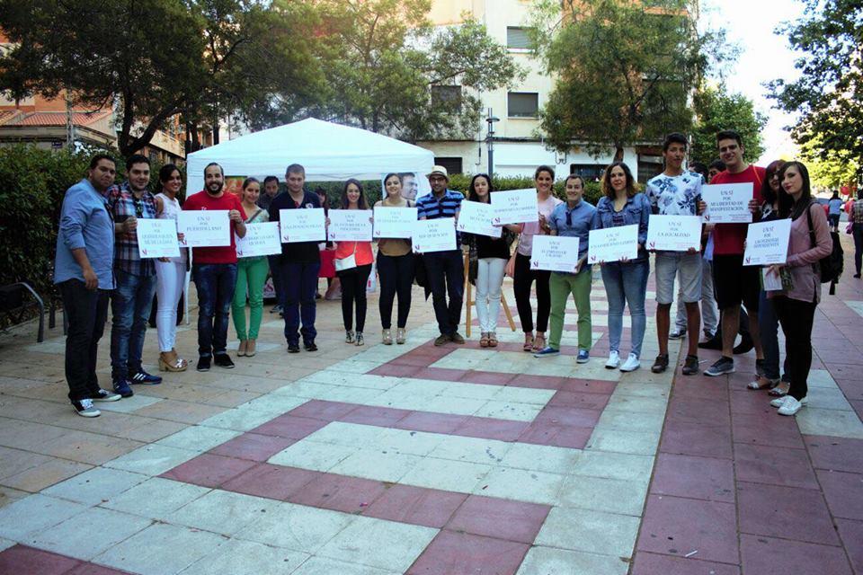 """""""Los jóvenes socialistas de Puertollano inician la campaña local de recogida de material escolar"""""""