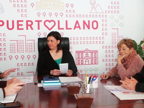 La Alcaldesa de Puertollano se reunen con los sindicatos en la presentación de la campaña en defensa de las pensiones públicas