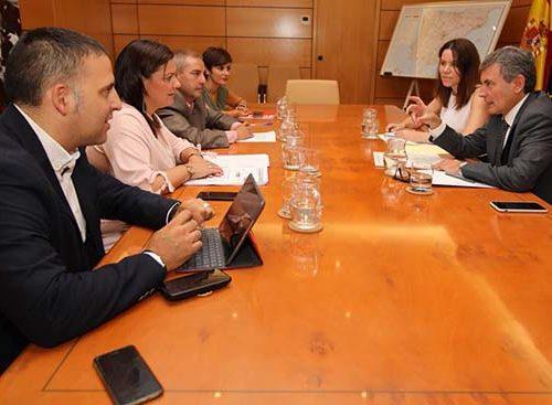 La alcaldesa de Puertollano defiende la opción sur en la primera reunión con el gobierno nacional.